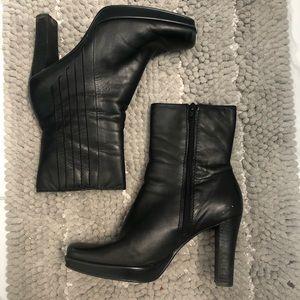 Nine West black square toe vintage booties